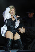 Fergie Returns to the Stage with Mom Boobs and a Close Shave
