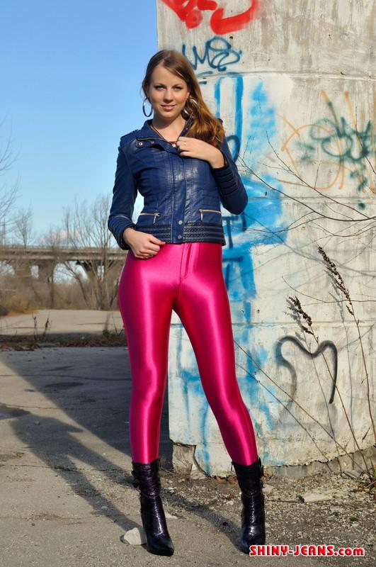 russian model Julia V in shiny pants & boots
