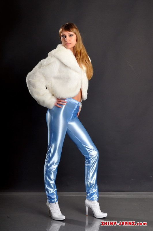 horny lady Maria K in fur jacket & blue jeans