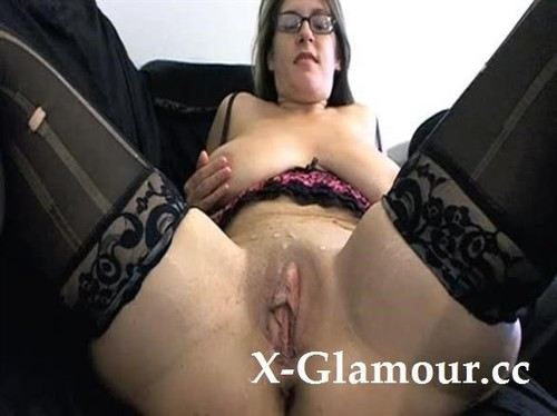 Big Tit Webcam Amateur Model [SD]