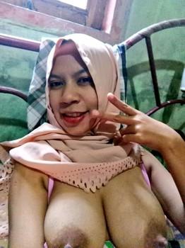 STW Jilbab Toket Masih Kencang