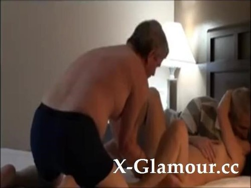 Amateurs - Two Mature Studs Team Up On A Horny Cougar [SD/480p]