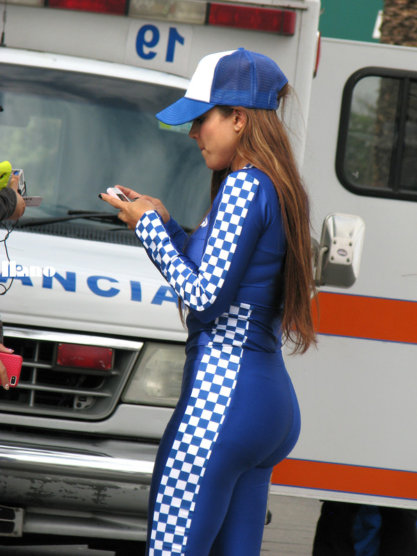 racing queens in skin tight spandex clothes