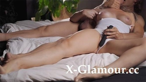 Bonniealex - Four Orgasms And Squirt Enjoying Toys (2020/FullHD)
