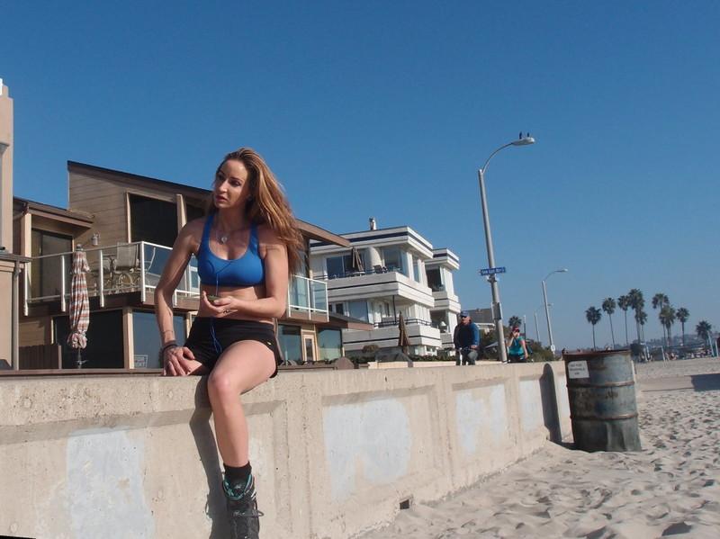 roller blade lady beach voyeur pics