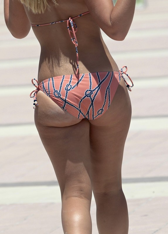 blonde ass bikini creepshot gallery