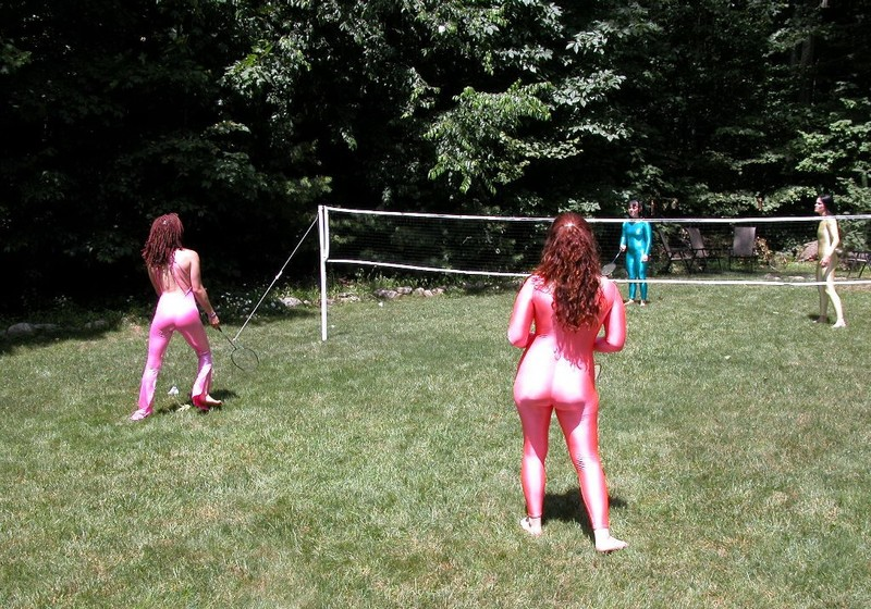4 tennis girls in kinky catsuits