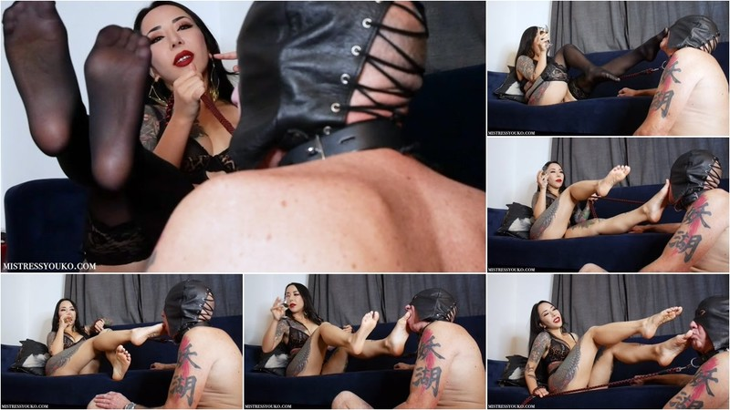 Sweaty Foot Worshipping Slave (1080P/mp4/1.53 GB/FullHD)
