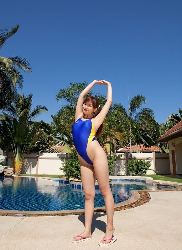 japan chick Mayumi Yamanaka in arena swimsuit