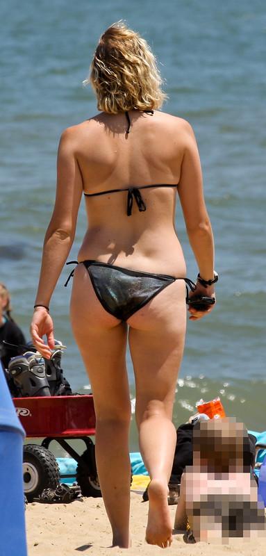 blonde milf in naughty bikini
