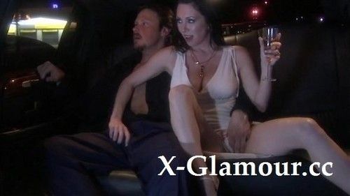 Amateurs - Ffm Threesome In A Limo (SD)