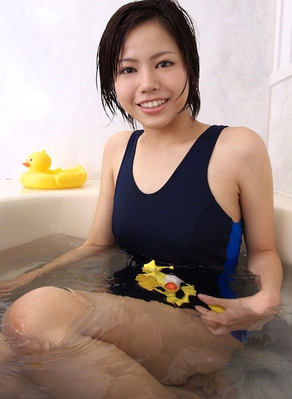 asian chick Keito Kawasaki in wet 1 piece swimsuit