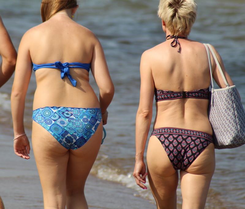 lesbian beach girls bikini spy photos