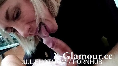 Juliehotmom - Caught Jerking Off, He Fucks His Stepmom In Front Of A Porn. Juliehotmom (FullHD)