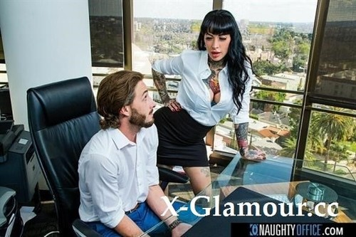 Jessie Lee Gets Fucked In Her Office By The It Guy [SD]