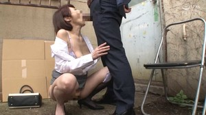 IRO-42 Married Woman Filthy Train-A Touched sc1
