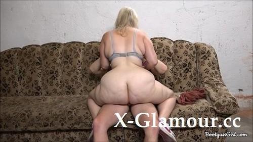 BootyASS Girl - Teen Gets A Cock In Her Big Ass In The Garage [FullHD/1080p]