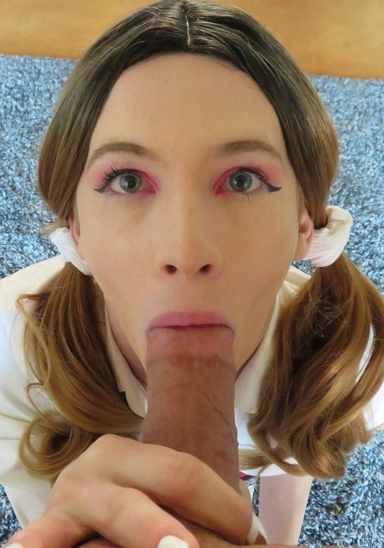 Kelly Lovely Sissy Schoolgirl Needs A Study Break (5 April 2021)