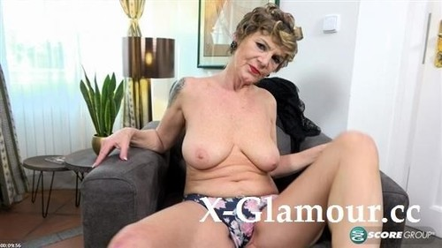 Nicol Mandorla - Wife Mom Granny Dildo Lover