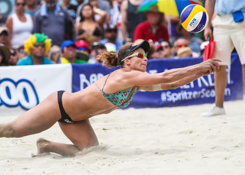 beach volleyball woman candid bikini photos