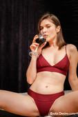 Serena Wood Glass Of Wine (x125)