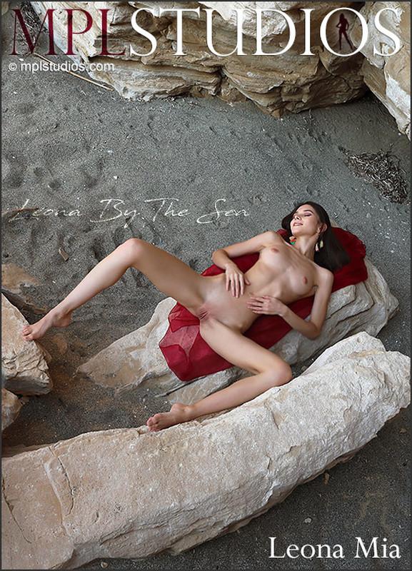 Leona Mia - Leona By The Sea (2021-04-09)