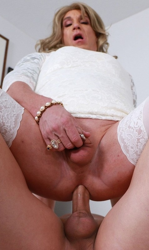 Cherry Dressed In White But Shes No Virgin (25 April 2021)