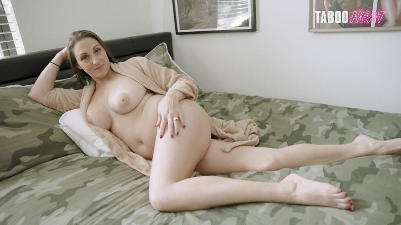 Melanie Hicks - Horny Step Mom [FullHD 1080P]