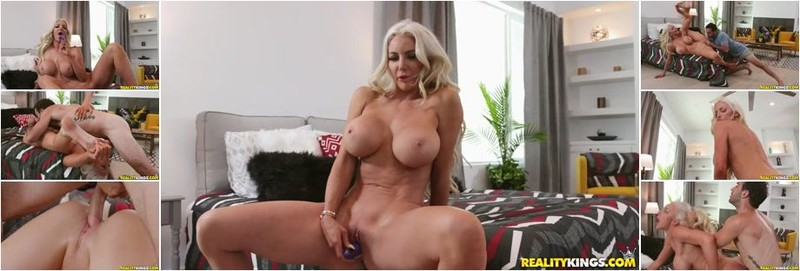 Nicolette Shea - Booty Pajamas (HD)