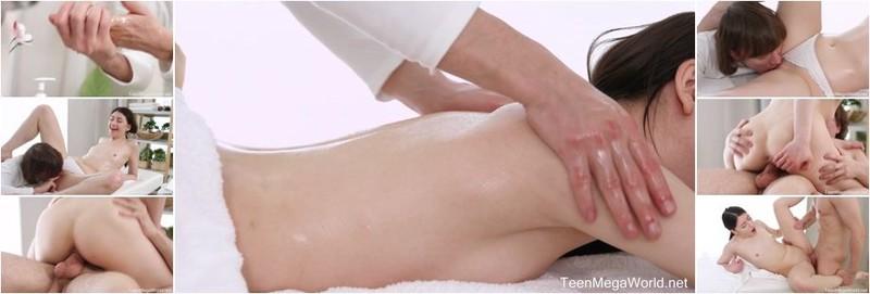 Rin White, Julia Moon - Spicy Bonus Of A Full - Body Massage (FullHD)
