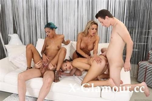 Roccos Sex Stepfamily [SD]