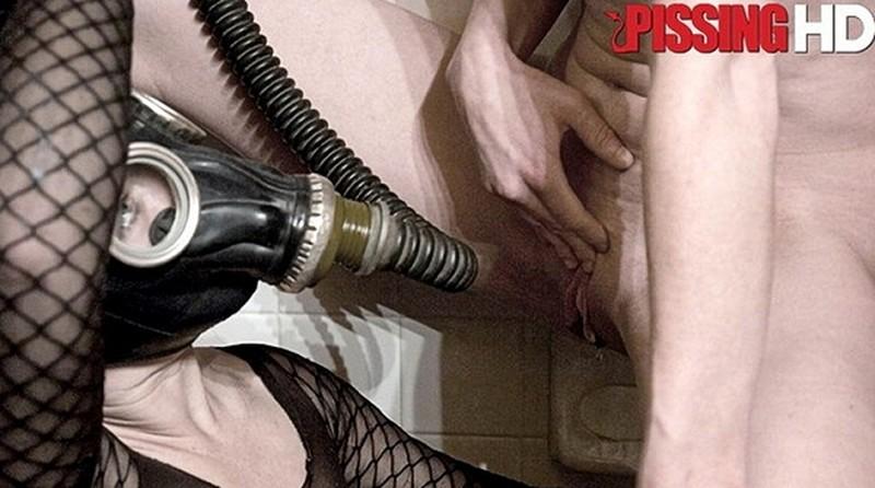 Dia Zerva - Piss whore Dia Zerva becomes a human toilet [FullHD 1080P]