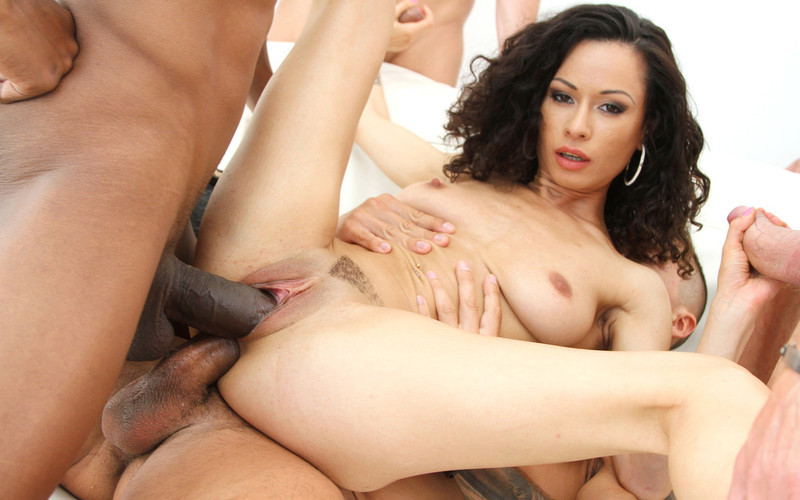 Stacy Bloom - Stacy Bloomenjoys 8 different DAP positions in her first scene for Gonzo SZ2706 [HD 720P]