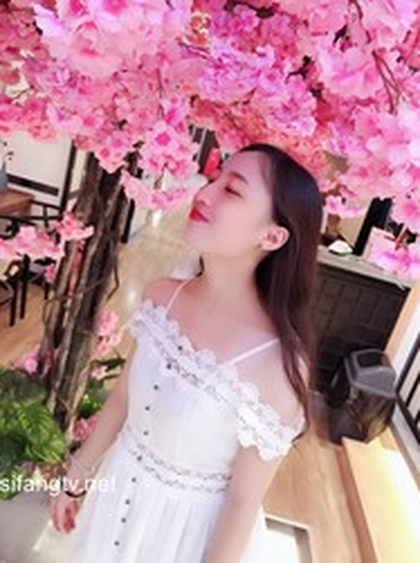 極品瑜伽老師林依婷清純女神淪為騷母狗86P31V