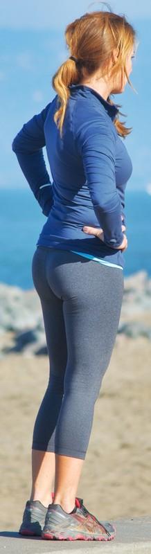 sporty milf in sexy leggings