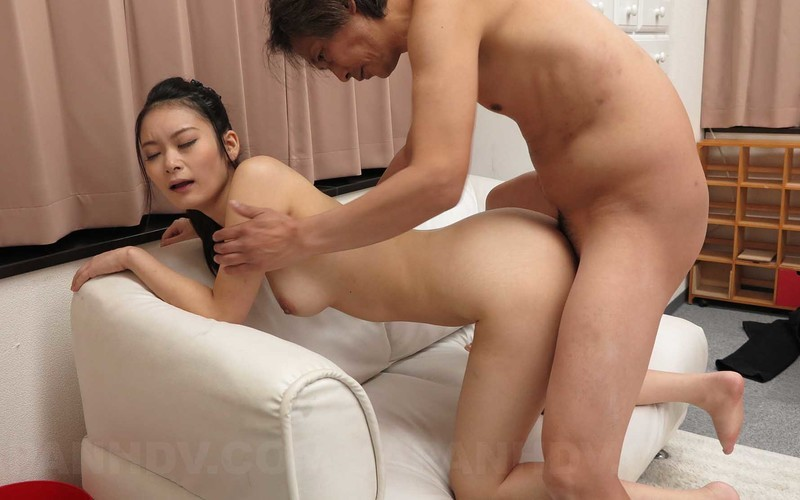 Ako Nishino - Is Locked Out And Visits A Neighbor To Wait And Ends Up Nude [FullHD 1080P]