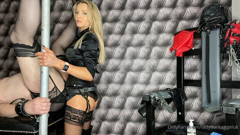 Lady Dark Angel UK - Strapon Fun black [HD 720P]