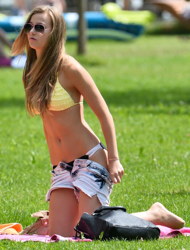 college teen bikini volleyball gallery