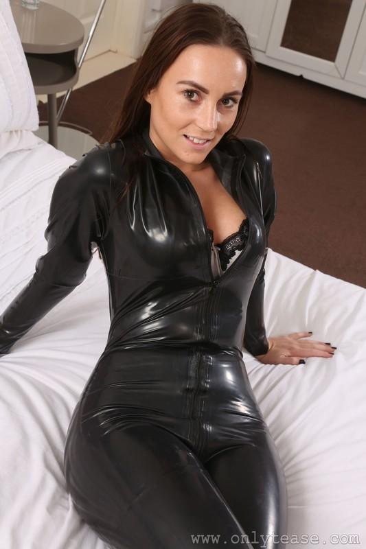 hot dominatrix girl Harper in rubber catsuit