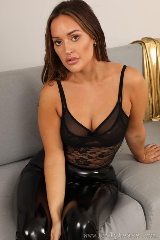 naughty model Frankie-L in shiny black pants