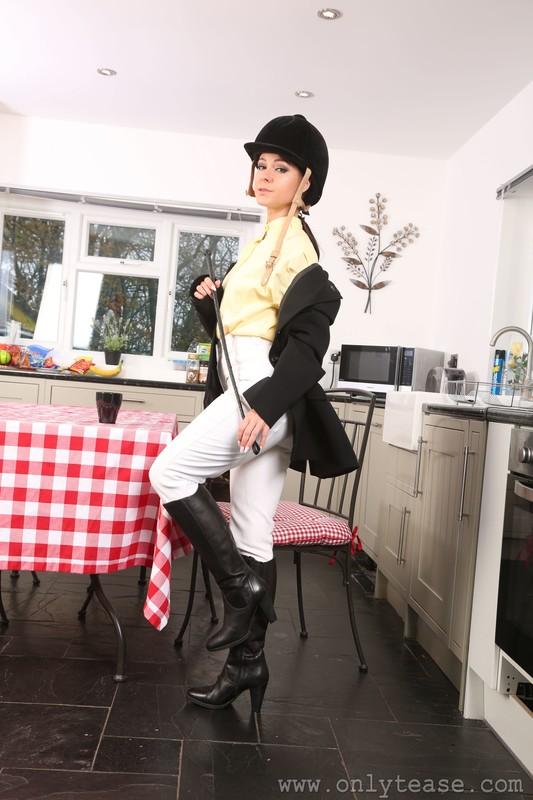equestrian girl Kristina in boots & sexy jodhpurs