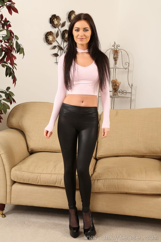 skinny babe Tianna in leather leggings