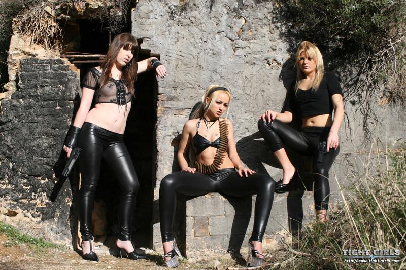 3 criminal girls in leather leggings