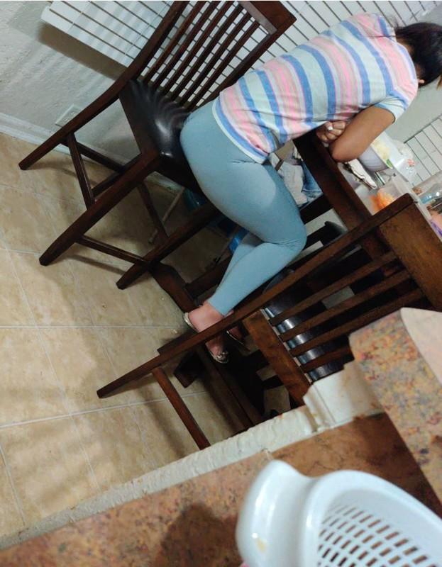 asian booty in blue leggings