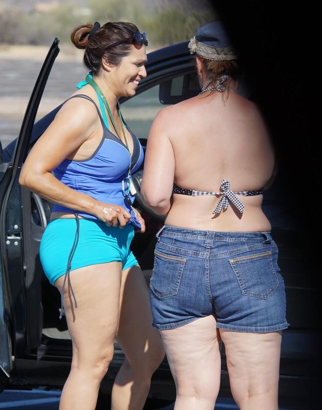 river tourist girls in yogapants & bikinis & shorts