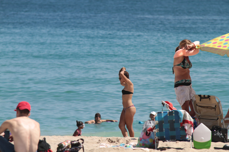miami vacation girls in bikinis