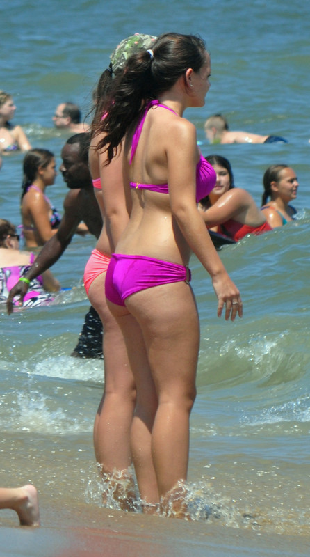 hot girls in bright bikinis