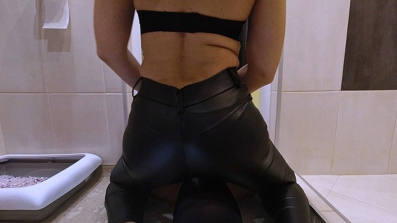 Mistress Anna-Farts and shit during Covid [FullHD 1080P]