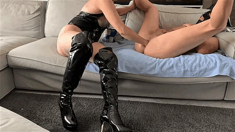 Madame MonsieurX - Kinky Mistress fisting her submissive anal slut [FullHD 1080P]