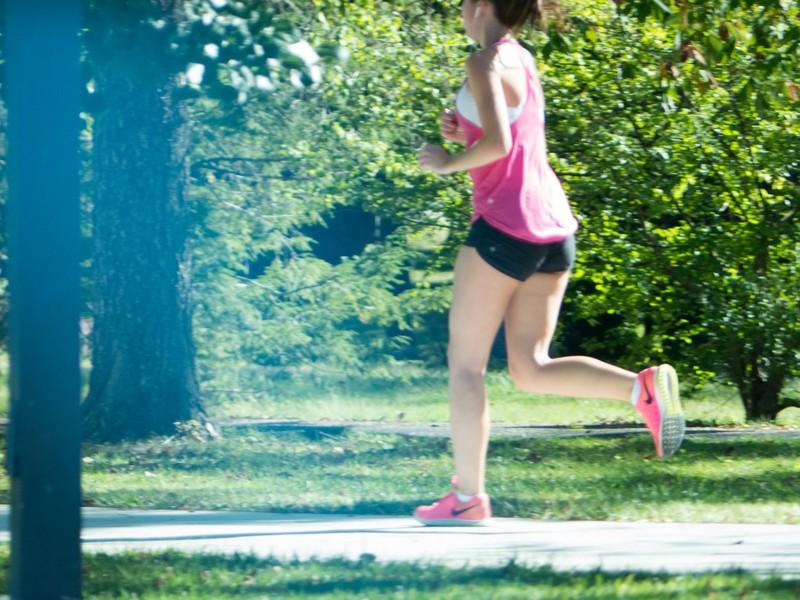 jogger babe in yogashorts